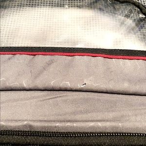 Victorinox Bags - Victorinox toiletry bag paid $68 with hanger